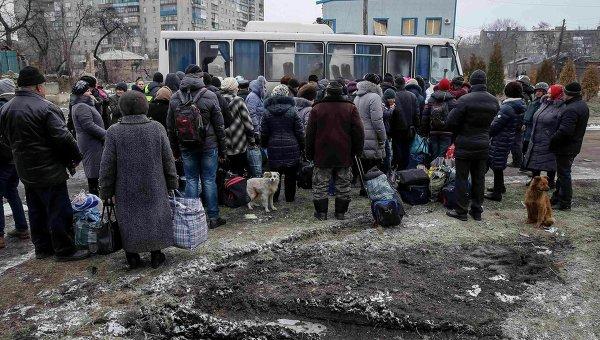 Эвакуация в Донбассе. Архивное фото