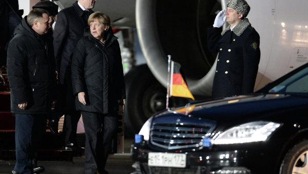 Прилет канцлера ФРГ Ангелы Меркель и президента Франции Франсуа Олланда в Москву