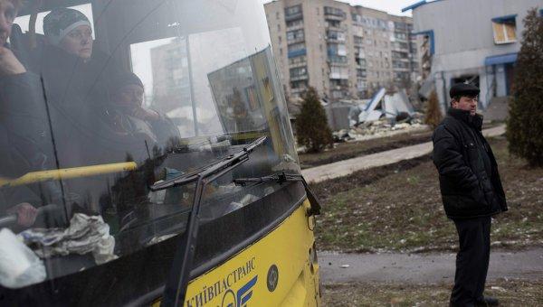 Эвакуация мирного населения в Донбассе. Архивное фото