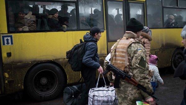 Эвакуация мирного населения из Дебальцево