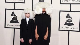 Певица Sia (справа) и Мэдди Зиглер