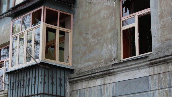 Последствия обстрела на Донбассе. Архивное фото