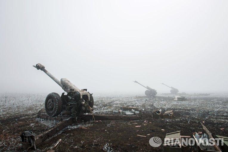Артиллерийские орудия войск ДНР в окрестностях Дебальцево