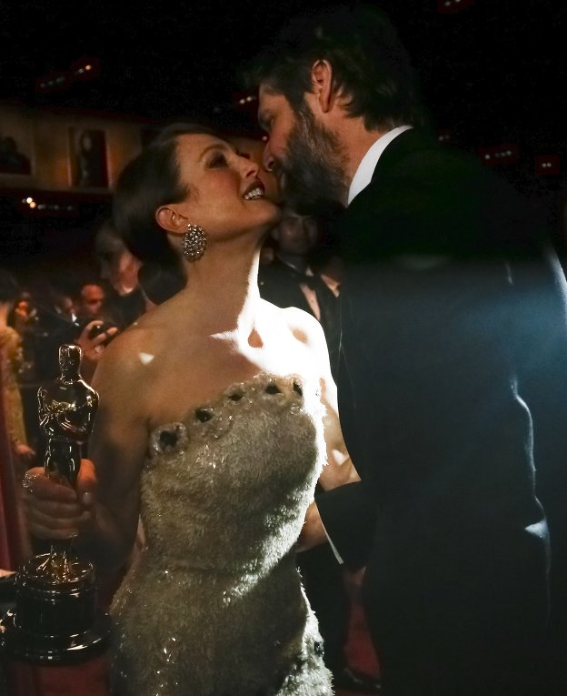 Джулиана Мур и Барт Фрейндлих за кулисами премии Оскар, 22 февраля 2015 года