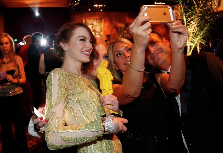Эмма Стоун за кулисами премии Оскар, 22 февраля 2015