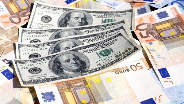 Доллары, евро, банкноты, купюры