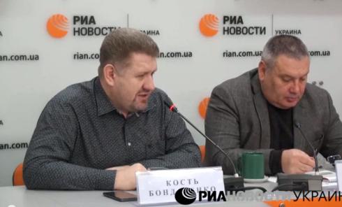 Противостояние между Порошенко и Яценюком нарастает - Кость Бондаренко. Видео