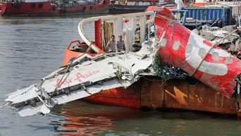 Останки разбившегося в Индонезии лайнера AirAsia