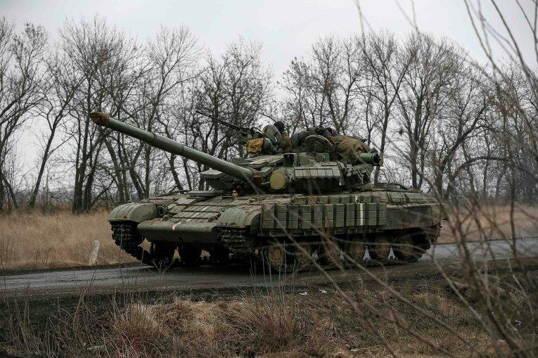 На Донбассе ВСУ продолжают отвод тяжелых вооружений