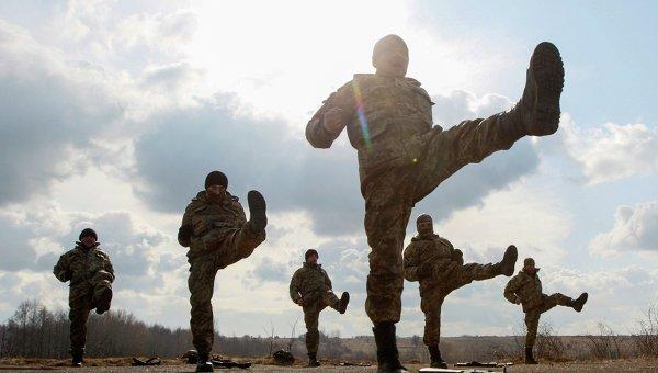 Военные учения архивное фото