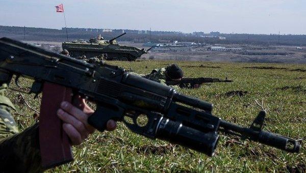 Учения ополченцев ДНР под Енакиево