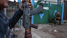 Ополченцы в районе Луганска