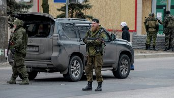 Ополченцы в Донецке