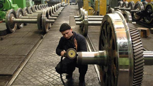 Работник Лугансктепловоза. Архивное фото