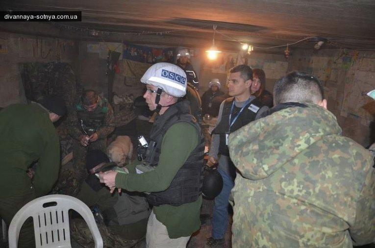 Представитель ОБСЕ в полевом госпитале силовиков после обстрела в Песках
