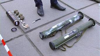 Гранатометы, изъятые у военного в Хмельницком