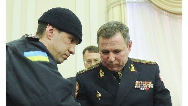 Василий Стоецкий при задержании на заседании правительства