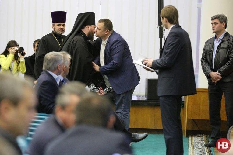 Борис Филатов со священниками