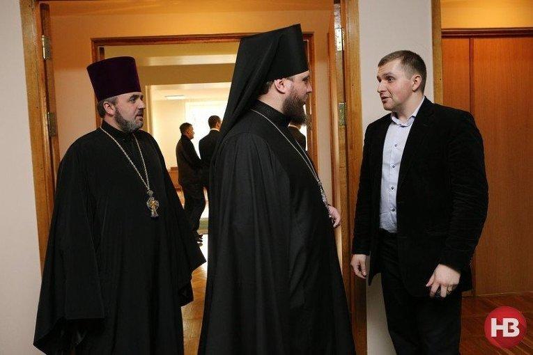 Священники на прощальной вечеринке Игоря Коломойского