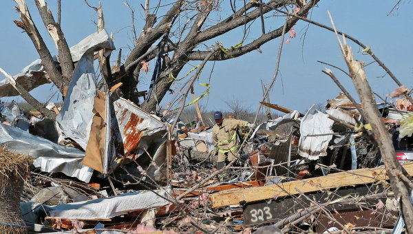 Последствия торнадо. Архивное фото