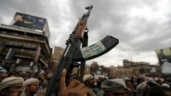 Протесты хуситов в Сане против авиаударов. Архивное фото