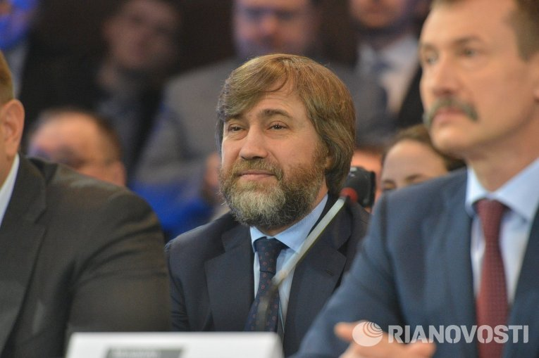 Народный депутат от Оппозиционного блока Вадим Новинский на заседании теневого правительства