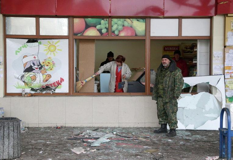 После обстрела на автовокзале в Донецке