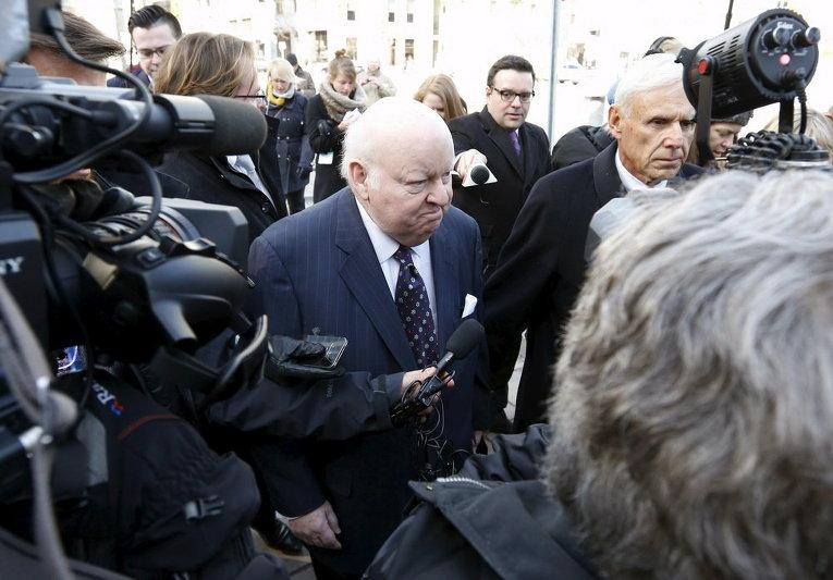 Отстраненный сенатор Майк Даффи прибывает в суд Онтарио в Канаде