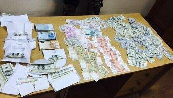 Деньги, изъятые в ОБЭП и прокуратуре Краматорска
