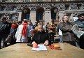 Общественный суд над Кличко у здания КГГА