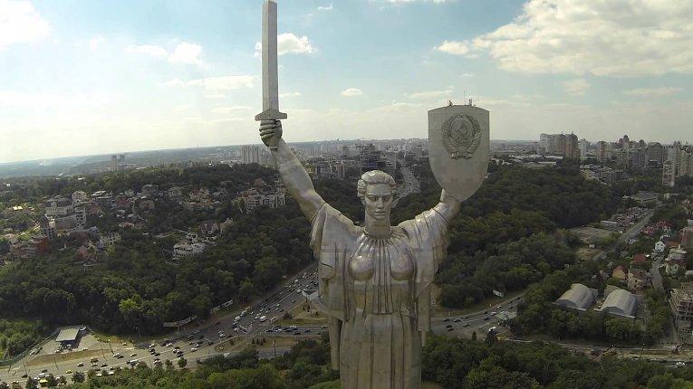 """Памятник """"Родина-мать"""" в Киеве"""