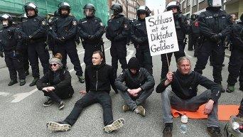 Протесты в Любеке (ФРГ), где проходит саммит глав МИД стран Большой семерки