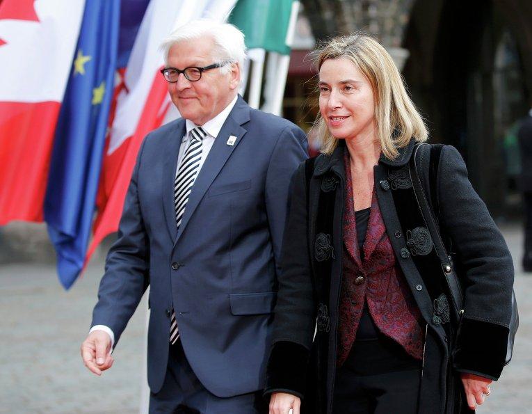 Министр иностранных дел Германии Франк-Вальтер Штайнмайер и Федерика Могерини, верховный представитель ЕС по иностранным делам и политике безопасности
