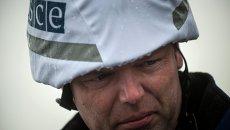 Замглавы специальной мониторинговой миссии (СММ) ОБСЕ Александр Хуг в Широкино