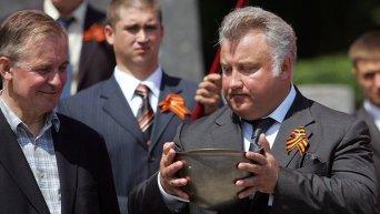 Олег Калашников во время траурной церемонии, посвященной началу Великой Отечественной войны