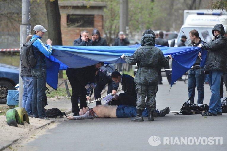 Олесь Бузина на месте убийства