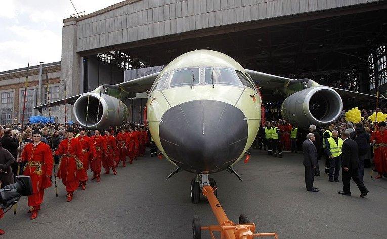 Презентация самолета Ан-178 на ГП Антонов в Киеве