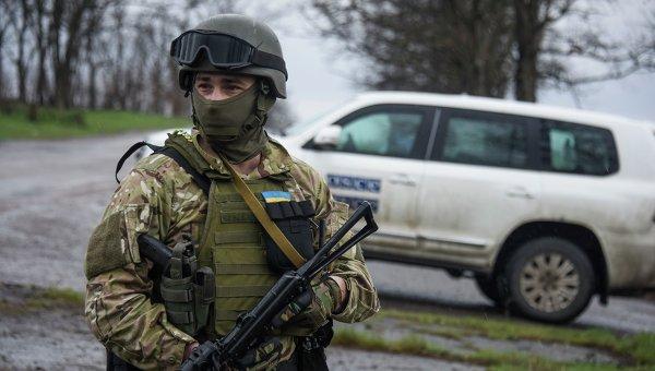 Украинский военнослужащий в Широкино