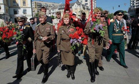 Ветераны на праздновании Дня победы в Киеве. Архивное фото