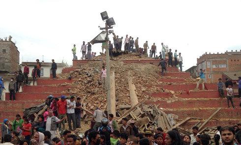 Разрушения на площади Дурбар в Катманду