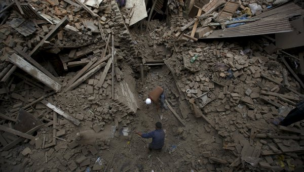 Разбор завалов в Непале
