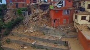Последствия землетрясения в Непале с высоты птичьего полета. Видео