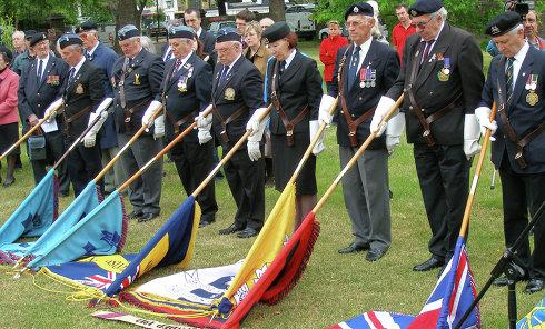 Церемония возложения венков к мемориалу советским гражданам