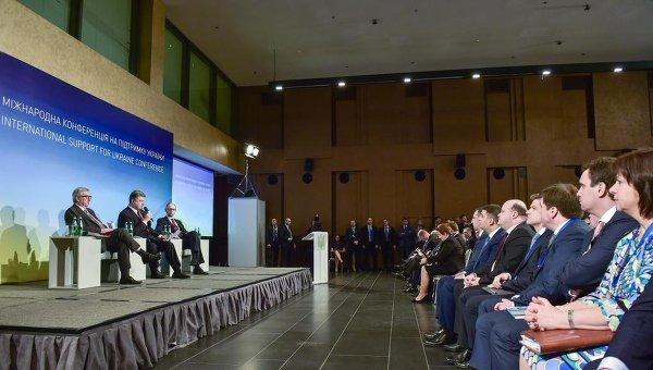 Петр Порошенко на международной конференции в поддержку Украины