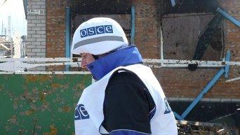 Сотрудник миссии ОБСЕ в зоне АТО. Архивное фото