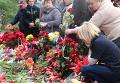 Одесситы приносят на Куликово поле цветы