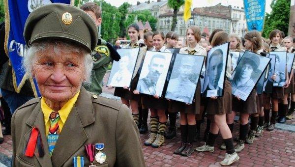 Ветеран УПА во Львове. Архивное фото