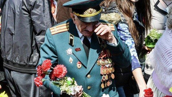 Ветераны в киевском парке Славы 9 мая. Архивное фото