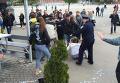 В Харькове облили кефиром пророссийски настроенных девушек