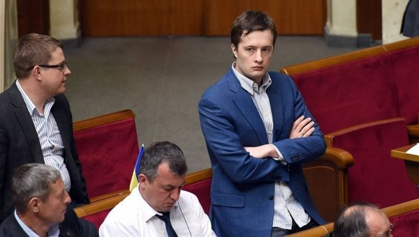 """""""Юліє Порошенко, дуже шкодую, що не зустрів тебе на чотири роки раніше"""", - син Президента відреагував на згадку у фейкових """"зверненнях"""" - Цензор.НЕТ 8417"""